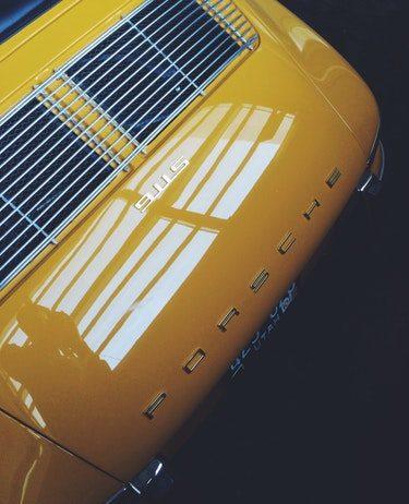 Le coffre arrière d'une Porsche