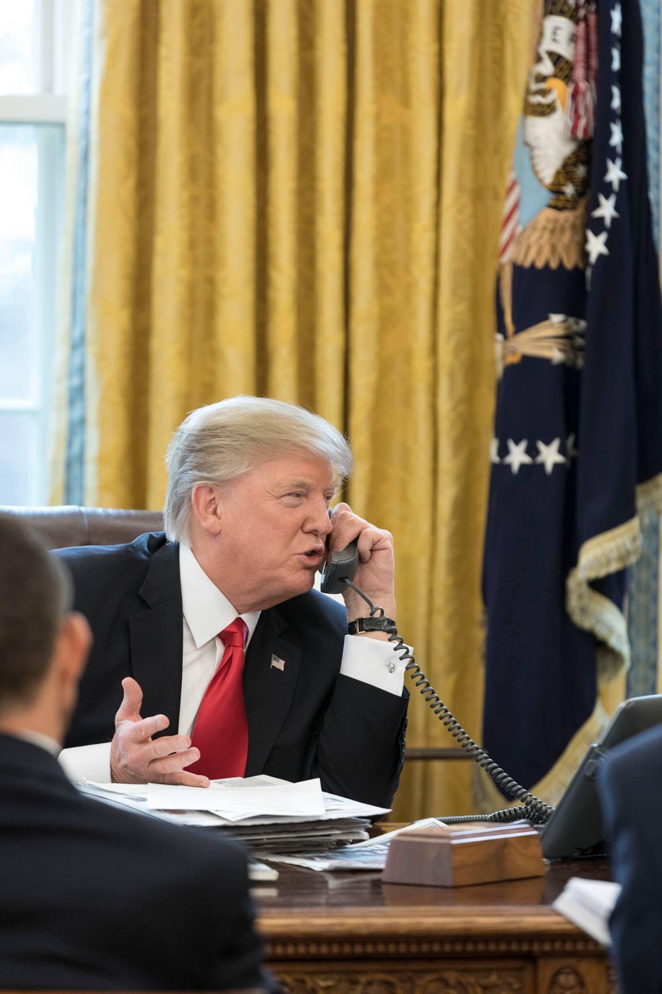 Donald Trump dans le Bureau Ovale en janvier 2017