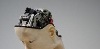 Un robot humanoïde