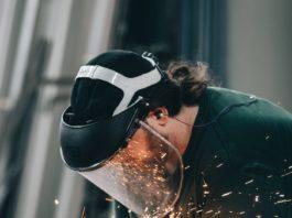 En mars, la production industrielle en France a chuté de 16,2 % par rapport à février, selon l'enquête trimestrielle de l'Insee publiée ce jeudi 7 mai.