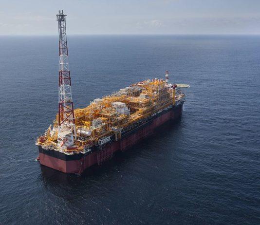 Un navire transportant du pétrole en mer (crédits photos : Total Médias)